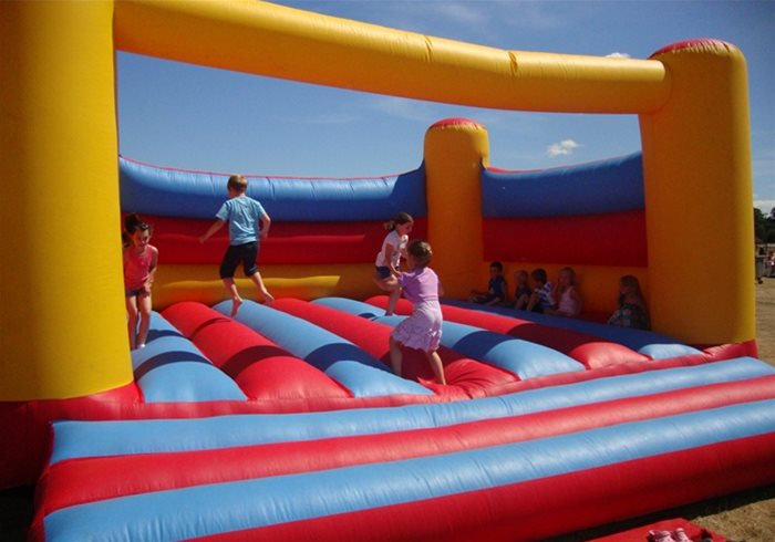Hire the best Bouncy Castles