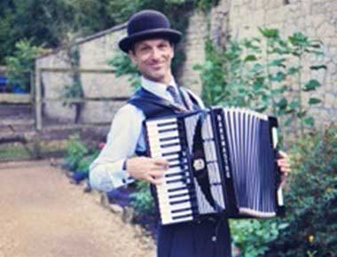 Hire accordionists for parties