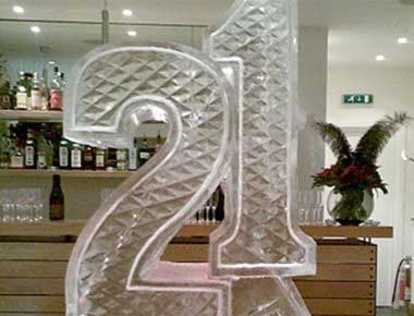Picture of a 21st birthday ice sculpture