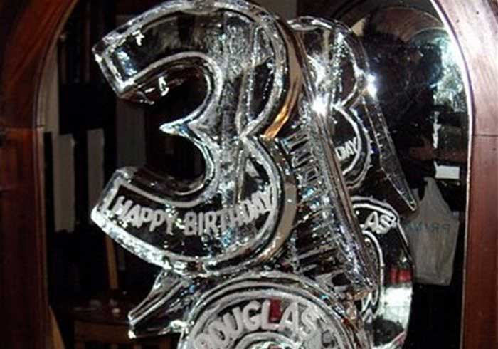 Picture of a 30th ice sculpture