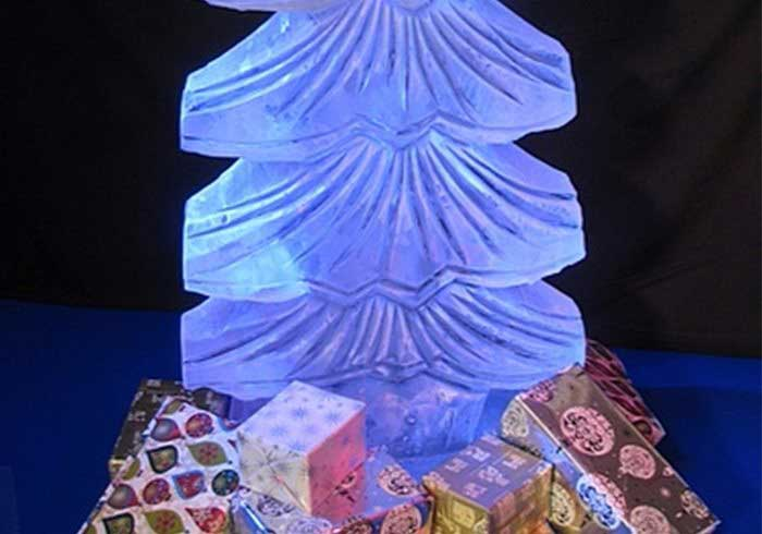 Image of a ice sculpture shaped like a Christmas tree