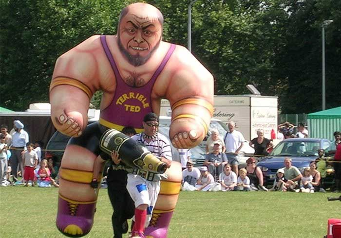 Inflatable battling cumberland giants