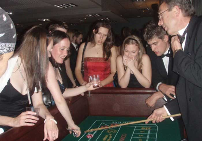 Fun Casino Craps Table