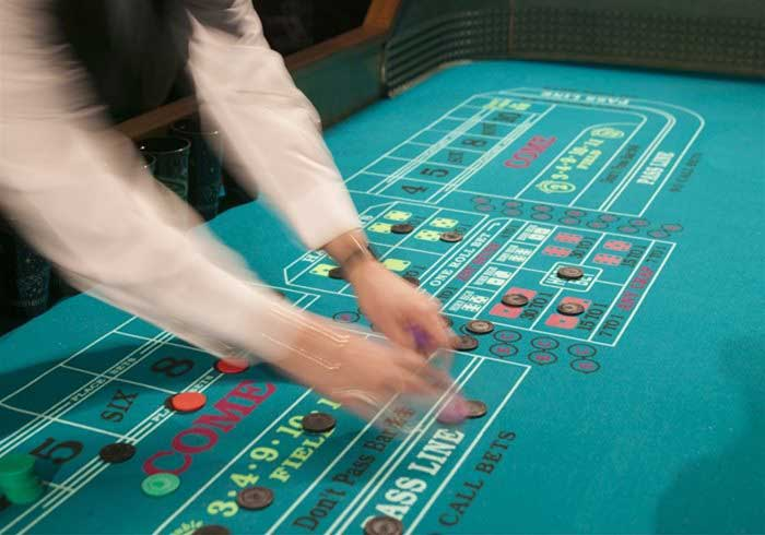 Fun Casino Dice Table
