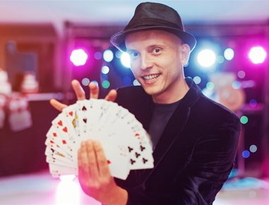 Hire Mix and Mingle Magician