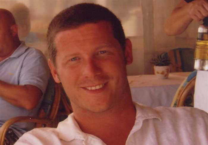 Image of a lookalike of Dermot O'Leary