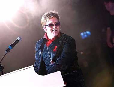 Image of an Elton John Lookalike