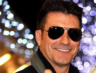 A lookalike of the X Factors Simon Cowell