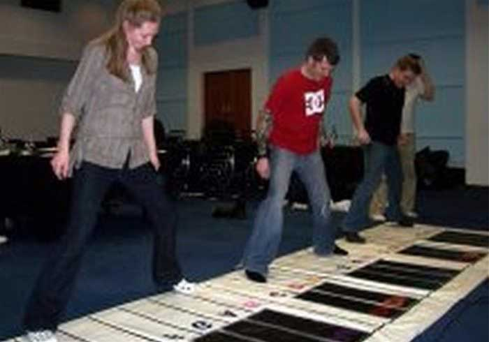Giant Floor Piano Hire Or Book For Events Es Promotions