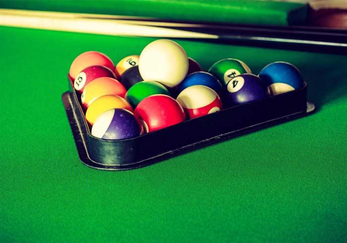 Pool Table cues and balls