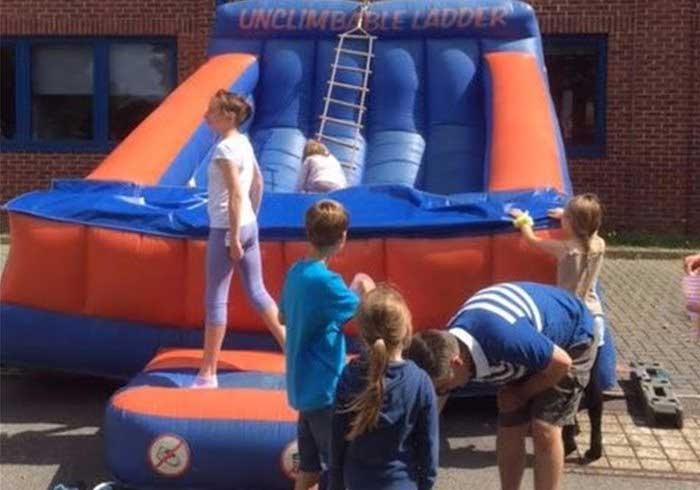 Unclimbable Ladder inflatable